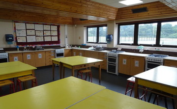 Specialist Classroom - Cooking Room - SLS @ Trevelyan Middle School - Windsor and Maidenhead - 1 - SchoolHire