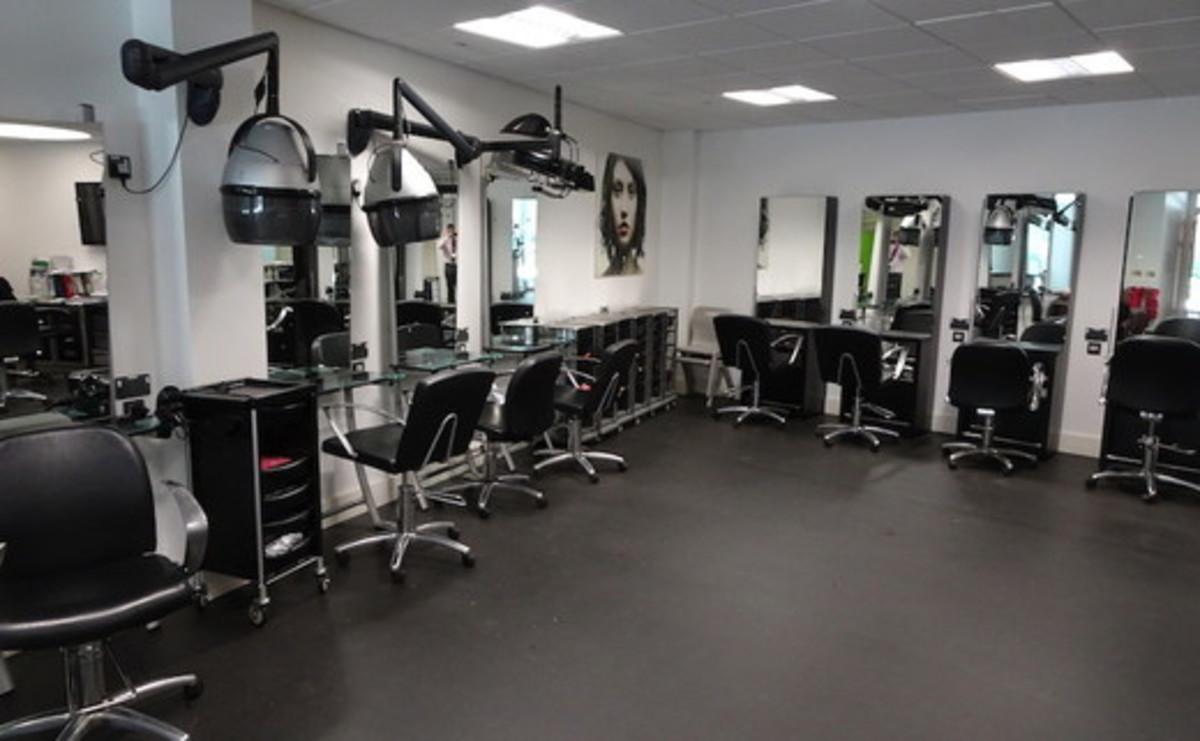 Specialist Classroom - Salon - SLS @ Tudor Grange Academy Worcester - Worcestershire - 1 - SchoolHire