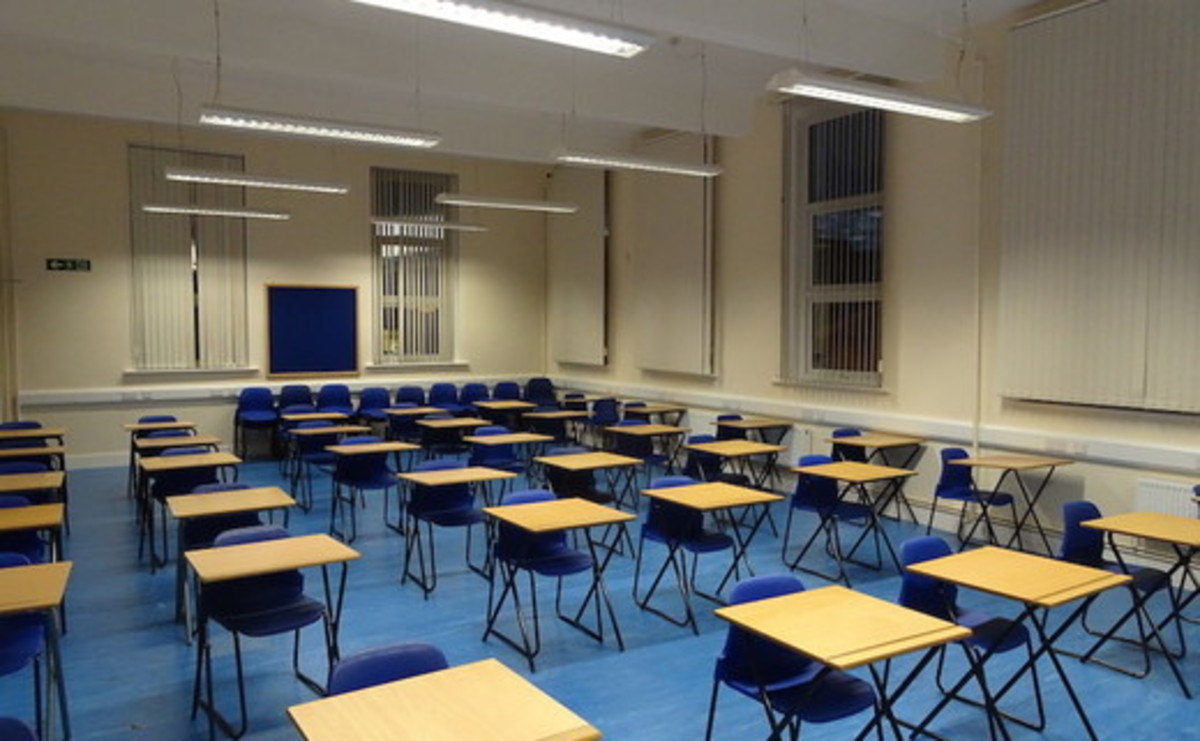 Specialist Classroom - Exam Room - SLS @ Ursuline Academy Ilford - Redbridge - 1 - SchoolHire