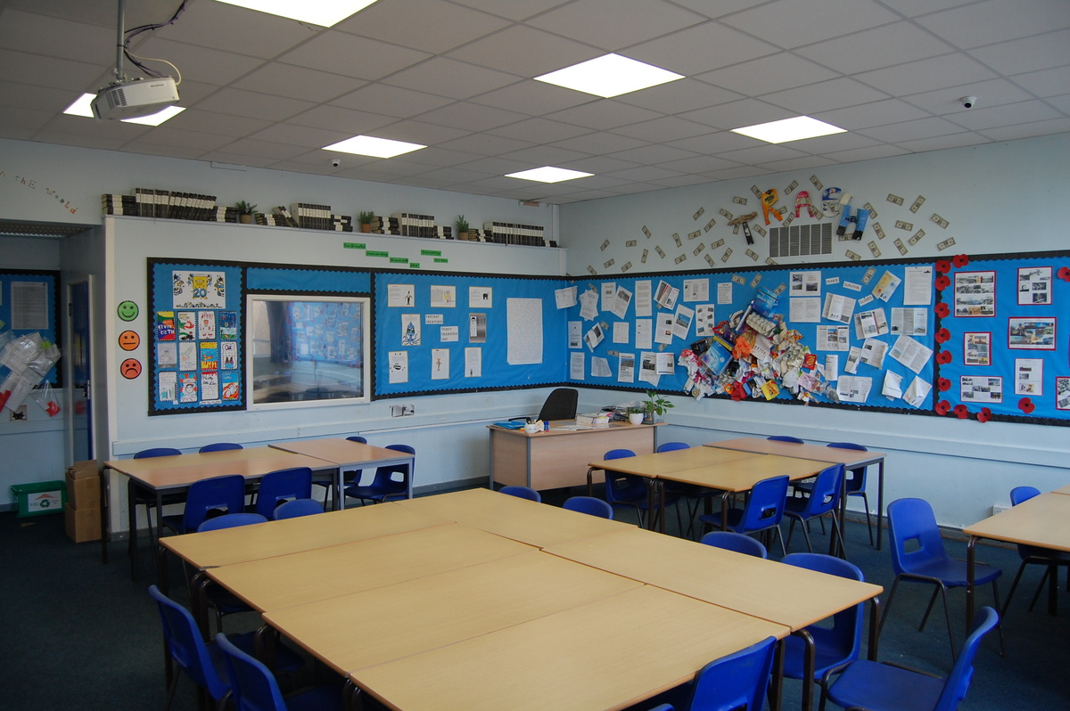 School Classrooms - Framingham Earl High School - Norfolk - 2 - SchoolHire