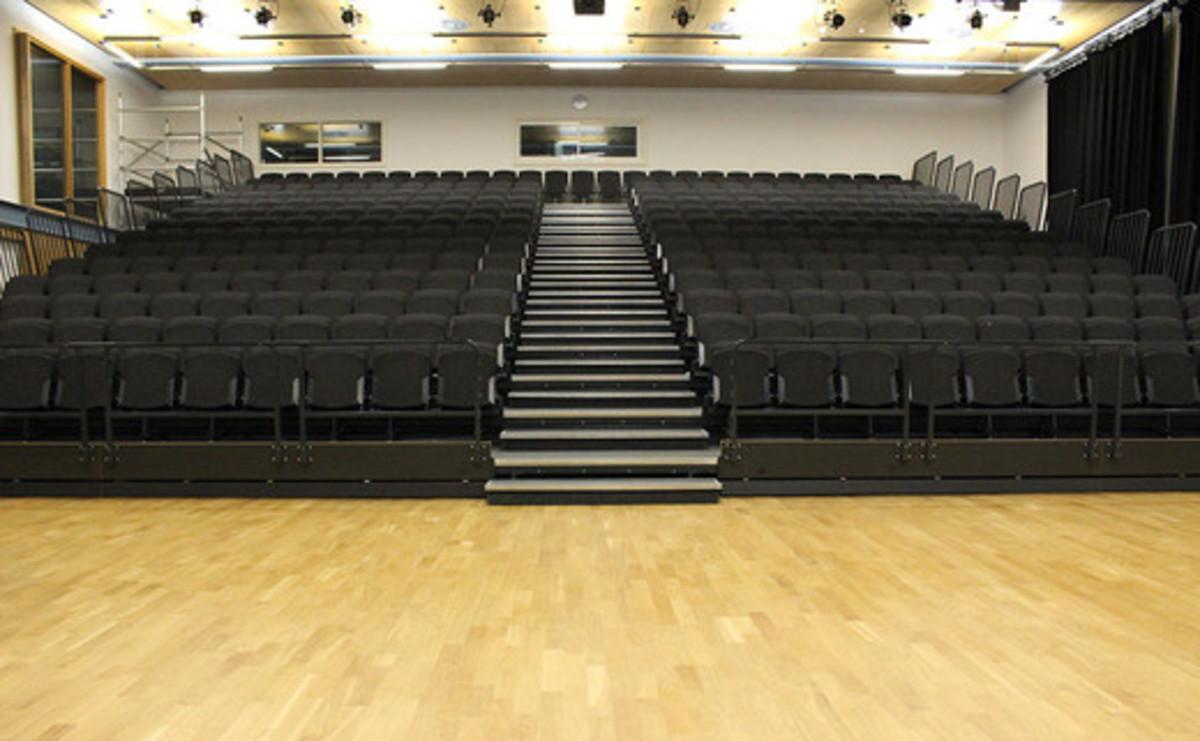 Theatre - SLS @ Wren Academy - Barnet - 2 - SchoolHire