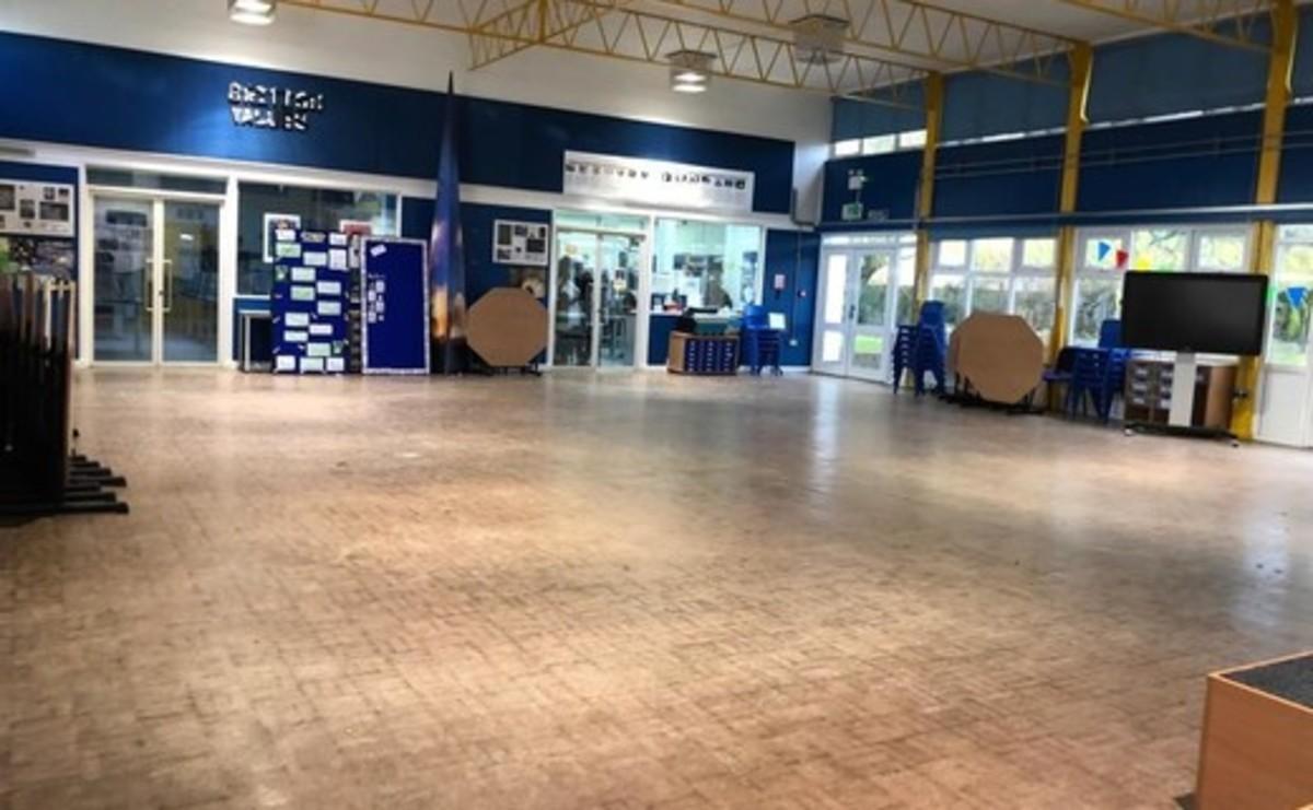 Main Hall  - SLS @ Wykham Park Academy (Banbury Academy) - Oxfordshire - 3 - SchoolHire