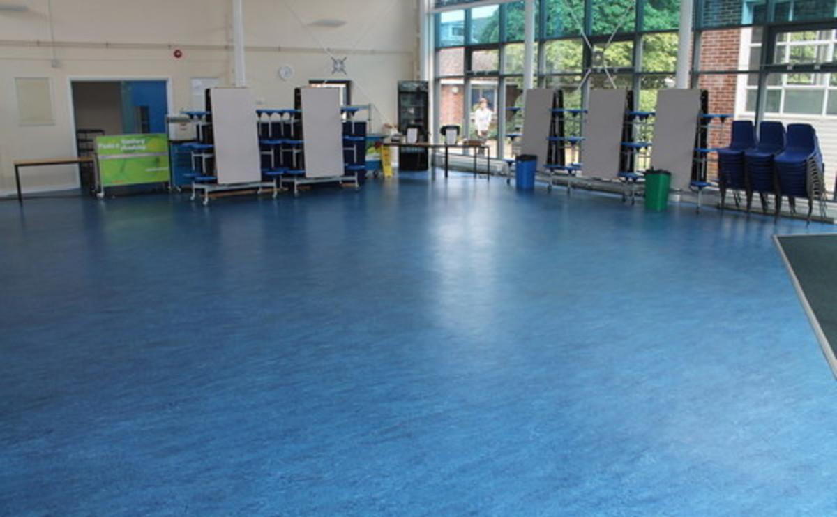 Multi Purpose Room - Glass Dining Room - SLS @ Wykham Park Academy (Banbury Academy) - Oxfordshire - 1 - SchoolHire