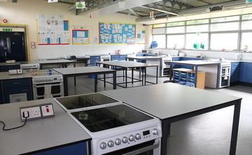 Specialist Classroom - Cooking Room - SLS @ Wykham Park Academy (Banbury Academy) - Oxfordshire - 1 - SchoolHire