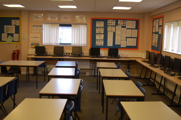 SC Classroom - Framingham Earl High School - Norfolk - 4 - SchoolHire