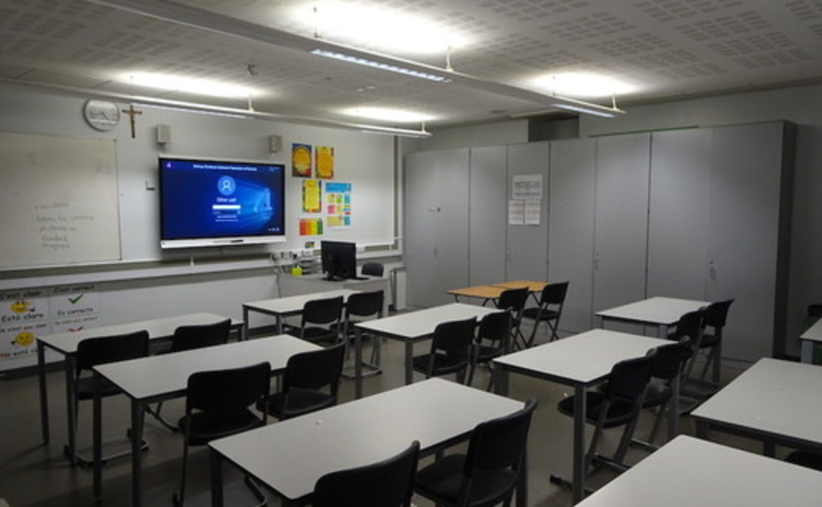 Classrooms - SLS @ Bishop Challoner Catholic Federation of Schools - Tower Hamlets - 1 - SchoolHire