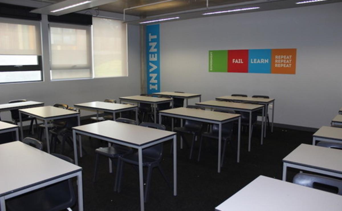Classroom - SLS @ Crest Academy - Brent - 1 - SchoolHire