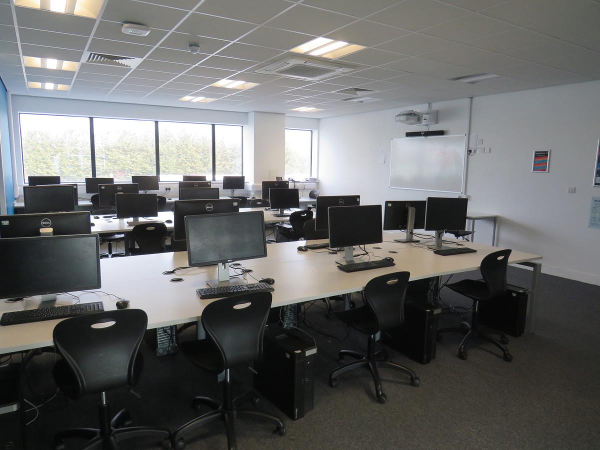 ICT Suites - UTC@MediaCityUK - Manchester - 1 - SchoolHire