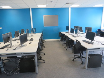 ICT Suites - UTC@MediaCityUK - Manchester - 2 - SchoolHire