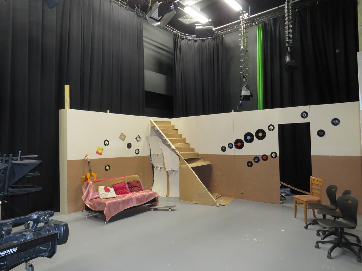Film Studio 2 (With sound, light & camera equipment) - UTC@MediaCityUK - Manchester - 4 - SchoolHire