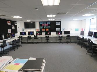 MAC ICT Suite - UTC@MediaCityUK - Manchester - 1 - SchoolHire