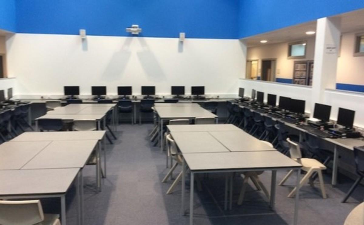 Specialist Classrooms - Library - SLS @ Hetton School - Durham - 1 - SchoolHire