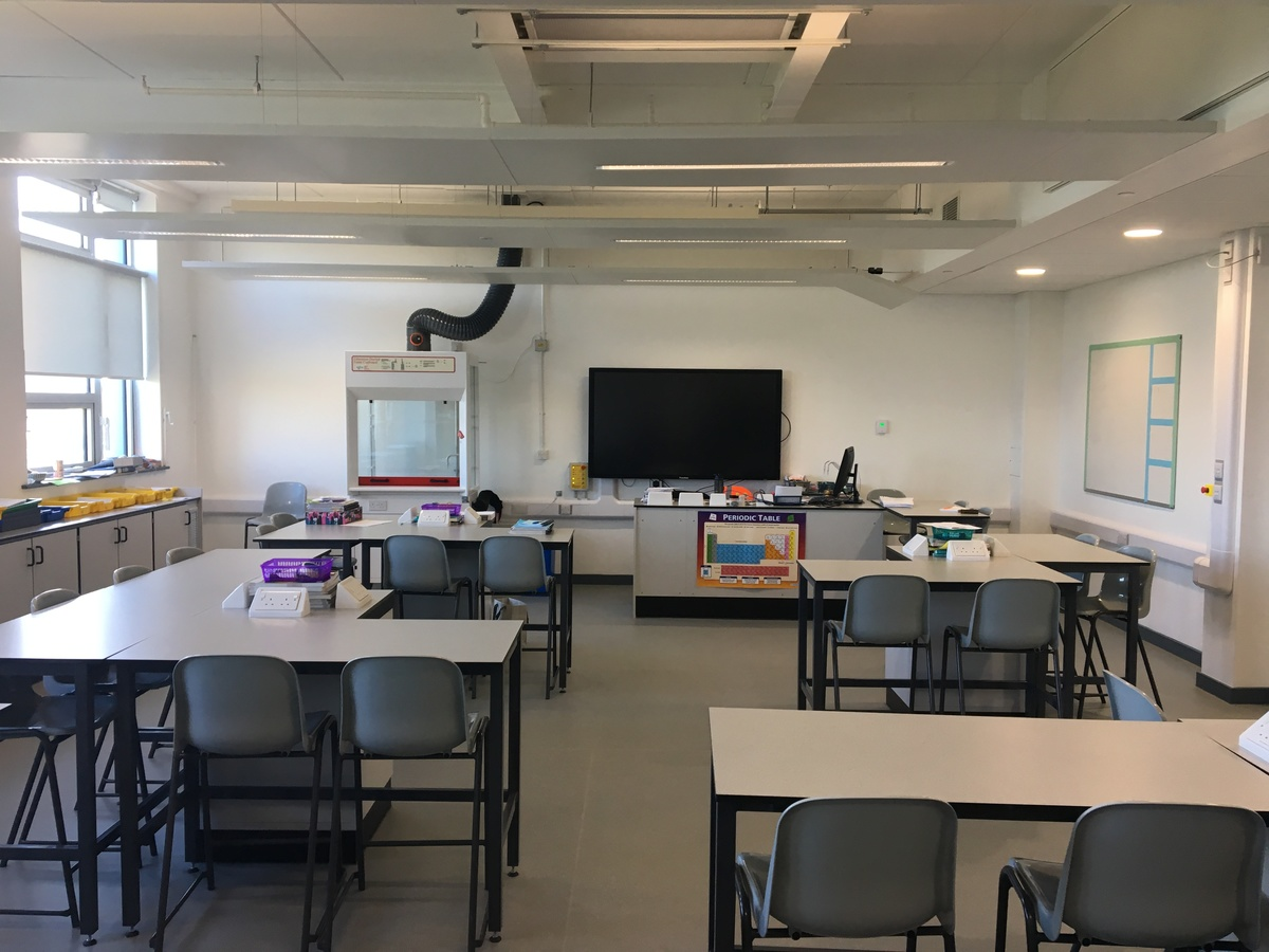 Science Classroom - Westfield Academy - Hertfordshire - 1 - SchoolHire