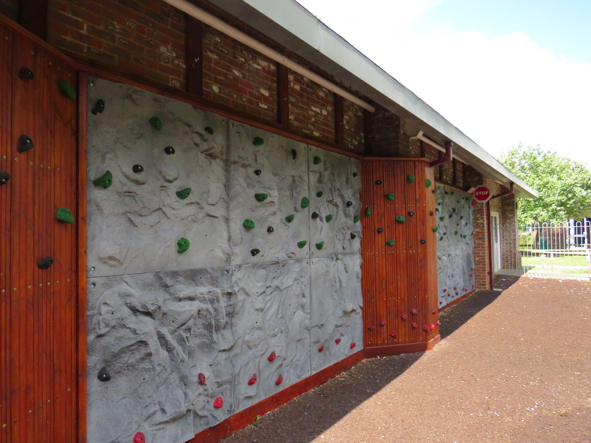 Climbing Wall - Kings' School Sports and Community Centre - Hampshire - 4 - SchoolHire