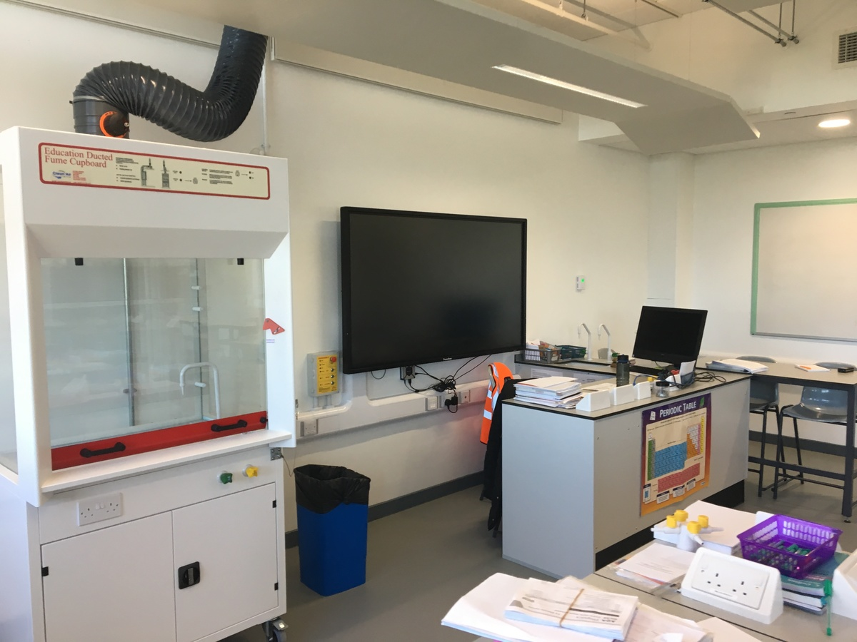 Science Classroom - Westfield Academy - Hertfordshire - 2 - SchoolHire