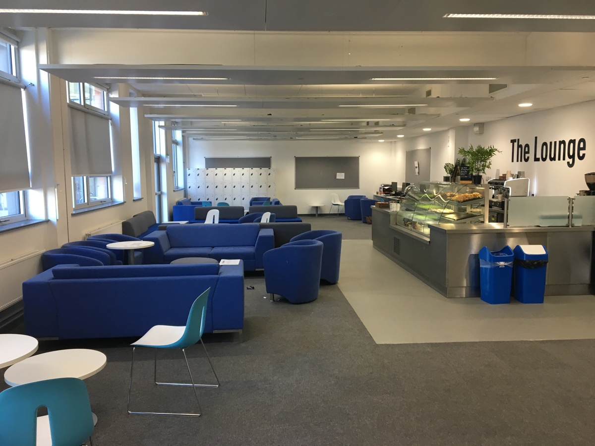 Sixth Form Room - Westfield Academy - Hertfordshire - 1 - SchoolHire