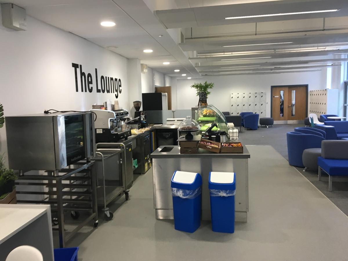 Sixth Form Room - Westfield Academy - Hertfordshire - 2 - SchoolHire