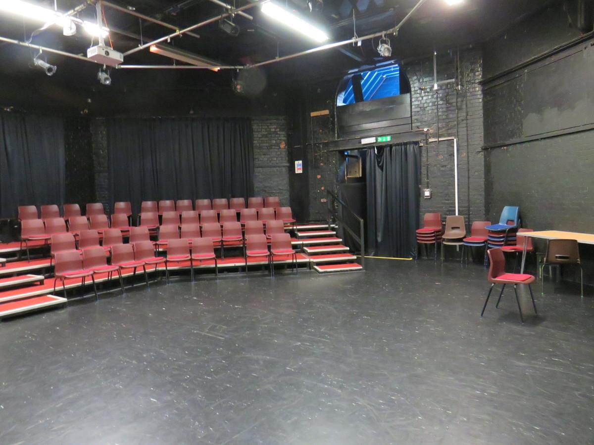 Tower Auditorium Theatre - Kings' School Sports and Community Centre - Hampshire - 3 - SchoolHire