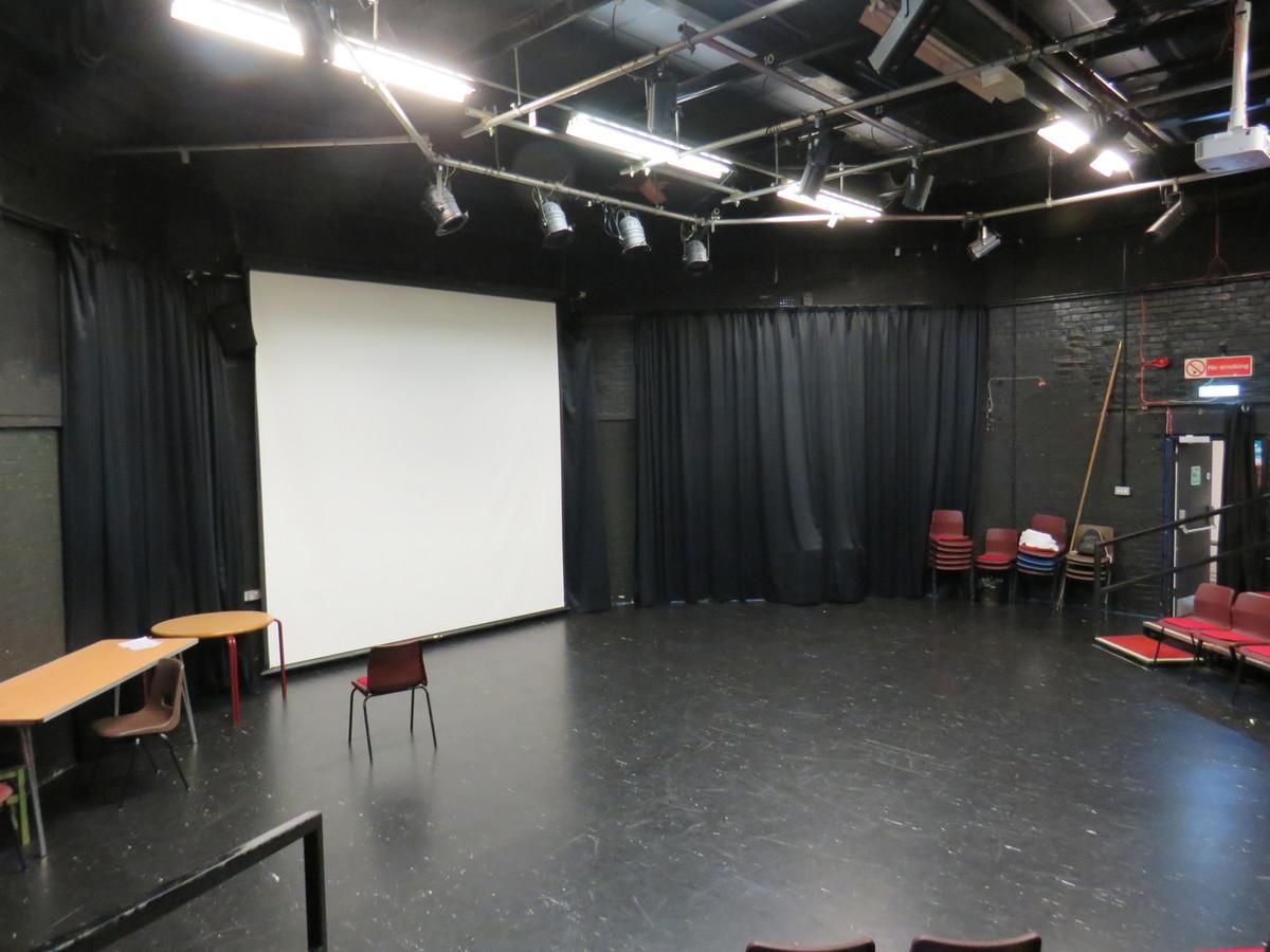Tower Auditorium Theatre - Kings' School Sports and Community Centre - Hampshire - 4 - SchoolHire