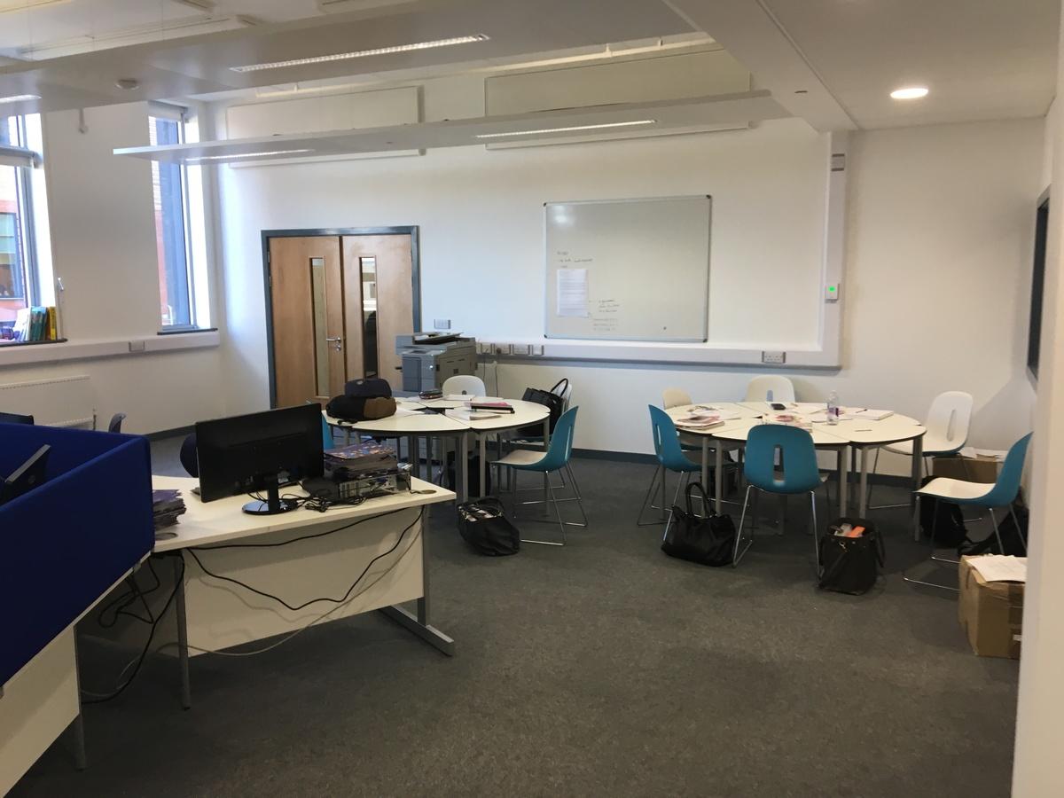 Sixth Form Room - Westfield Academy - Hertfordshire - 4 - SchoolHire