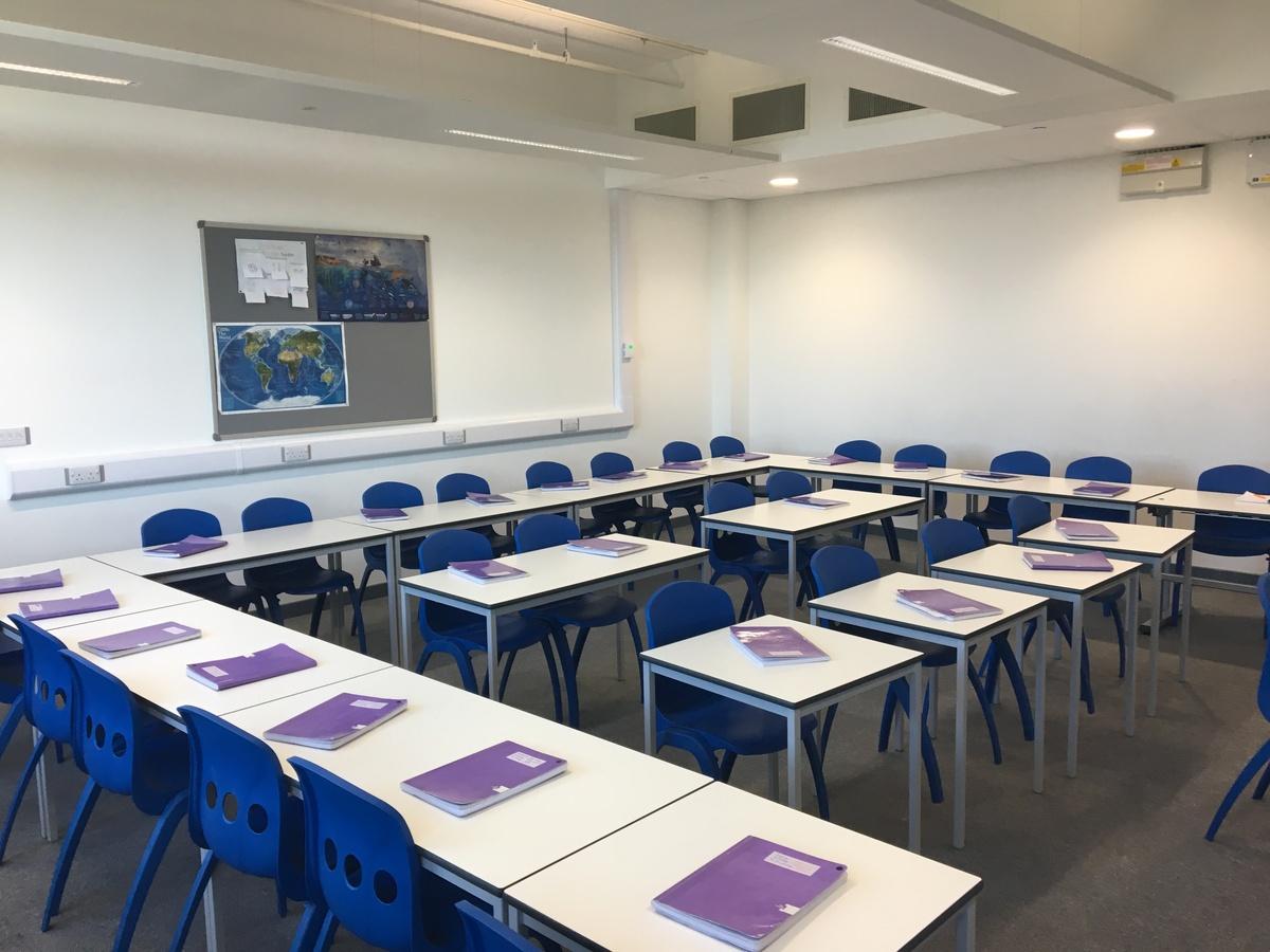 Standard Classroom - Westfield Academy - Hertfordshire - 2 - SchoolHire