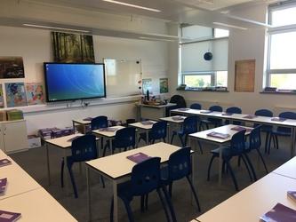 Standard Classroom - Westfield Academy - Hertfordshire - 3 - SchoolHire