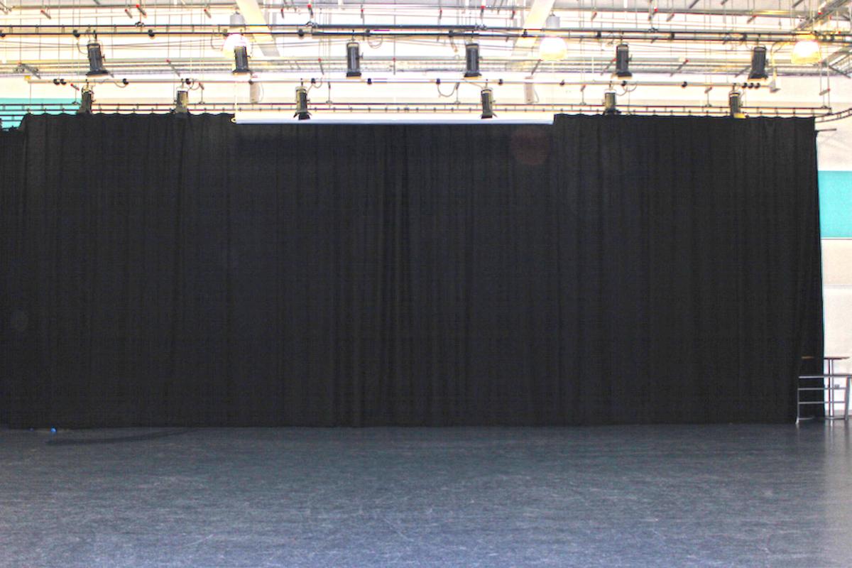 Main Hall  - SLS @ Holte School - Birmingham - 2 - SchoolHire