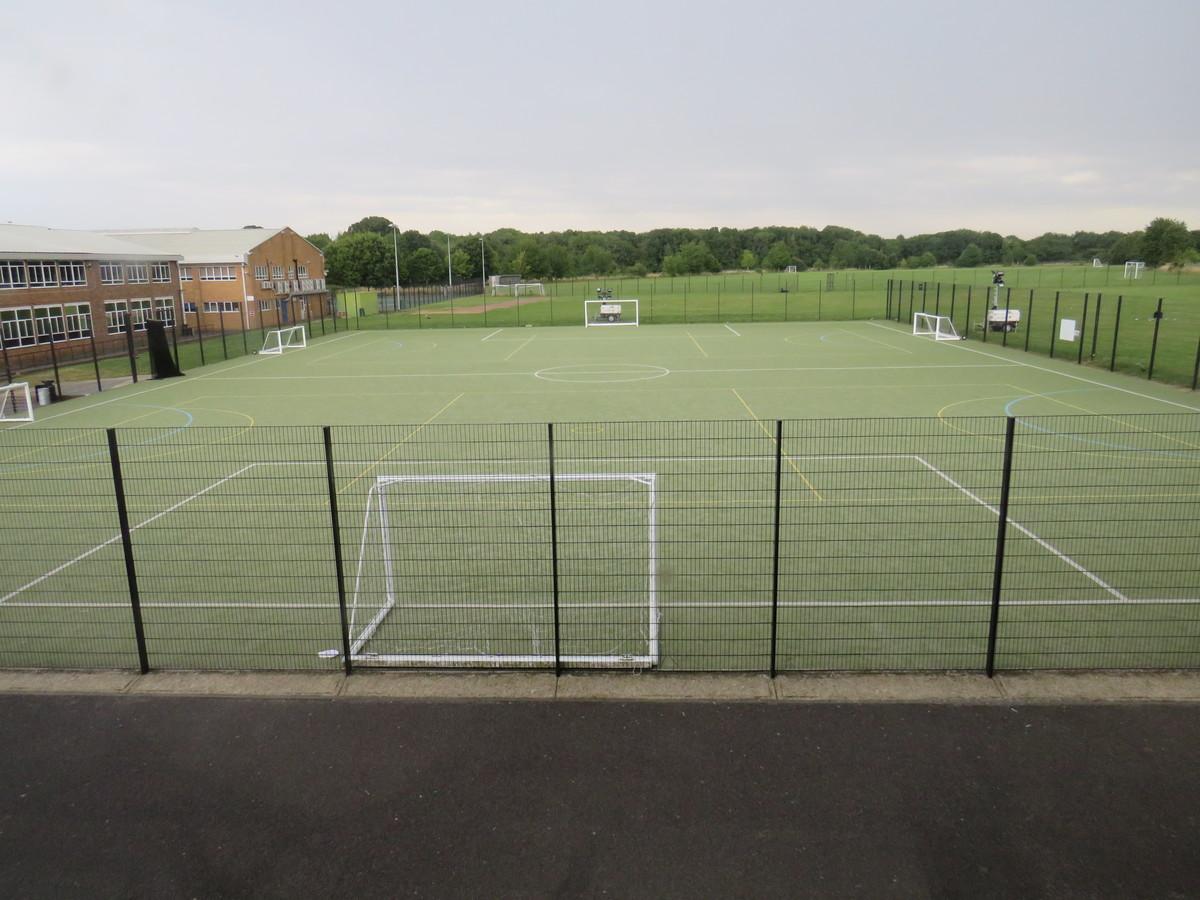 AstroTurf Pitch - Riddlesdown Collegiate - Surrey - 1 - SchoolHire
