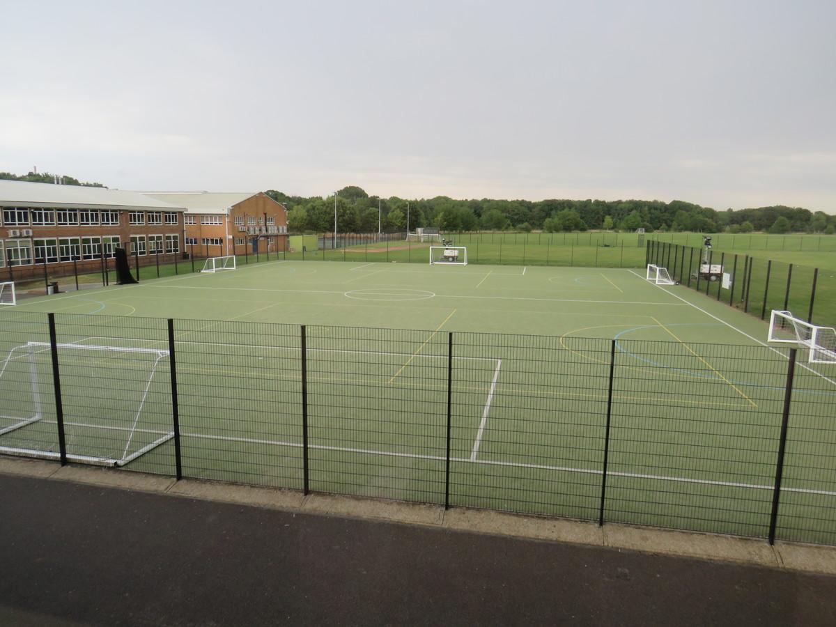 AstroTurf Pitch - Riddlesdown Collegiate - Surrey - 2 - SchoolHire