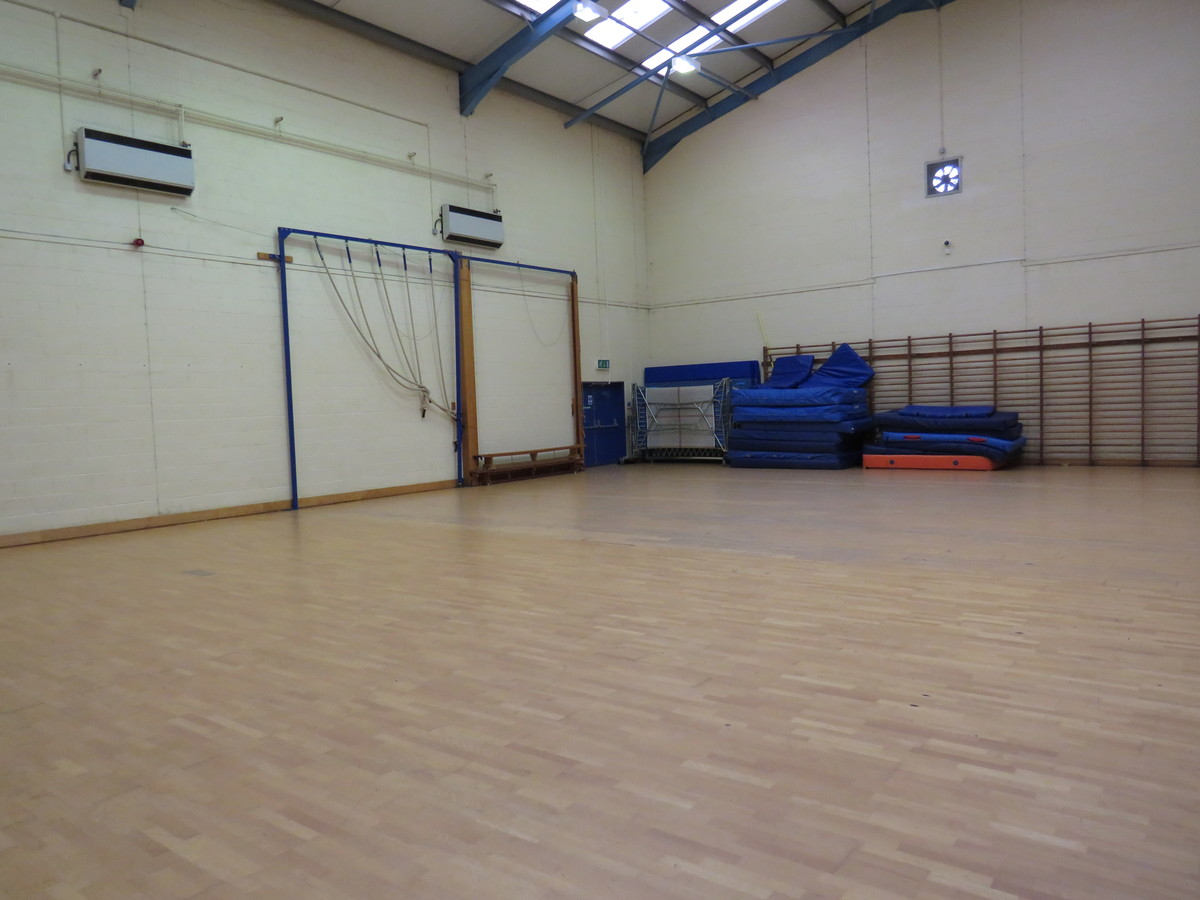 Gymnasium - Riddlesdown Collegiate - Surrey - 2 - SchoolHire