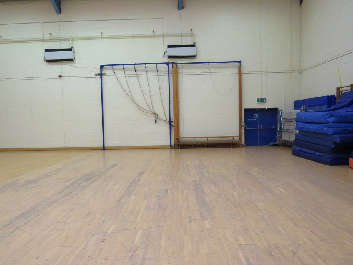 Gymnasium - Riddlesdown Collegiate - Surrey - 3 - SchoolHire