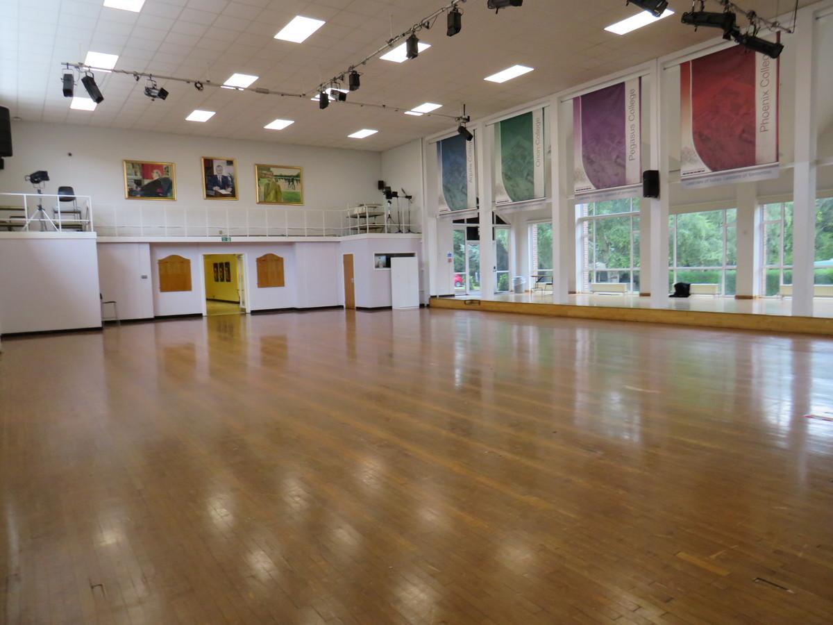 Main Hall - Riddlesdown Collegiate - Surrey - 4 - SchoolHire