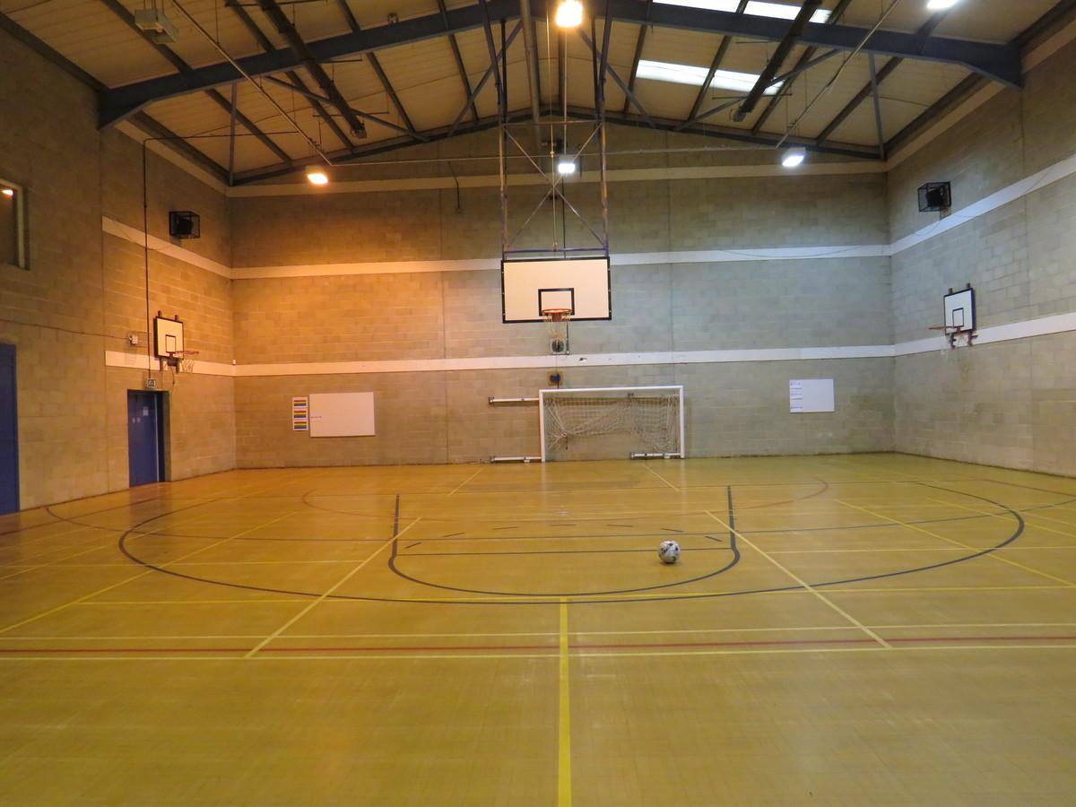 Sports Hall - Riddlesdown Collegiate - Surrey - 3 - SchoolHire