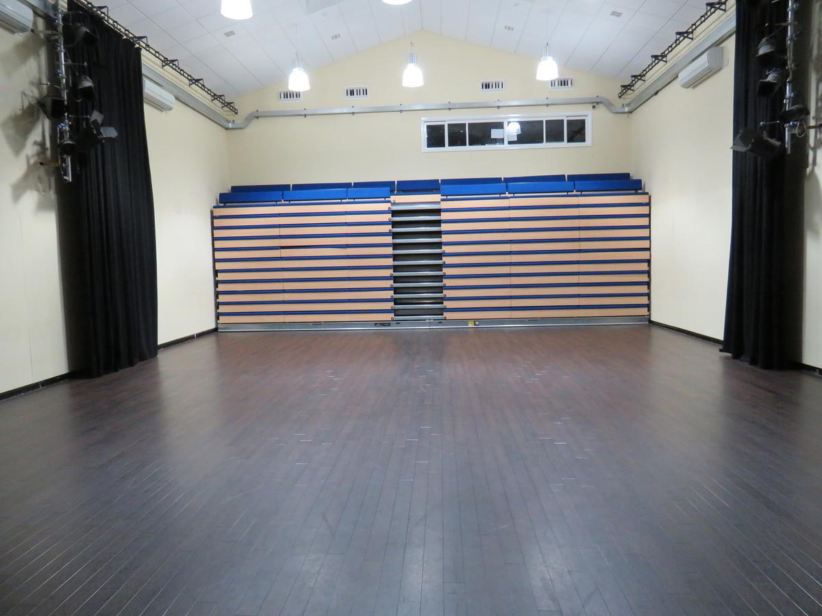 Theatre - Riddlesdown Collegiate - Surrey - 1 - SchoolHire