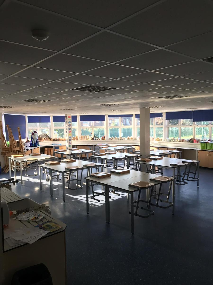 Specialist Classroom - Art Room - SLS @ Sutton Coldfield Grammar School for Girls - Birmingham - 1 - SchoolHire