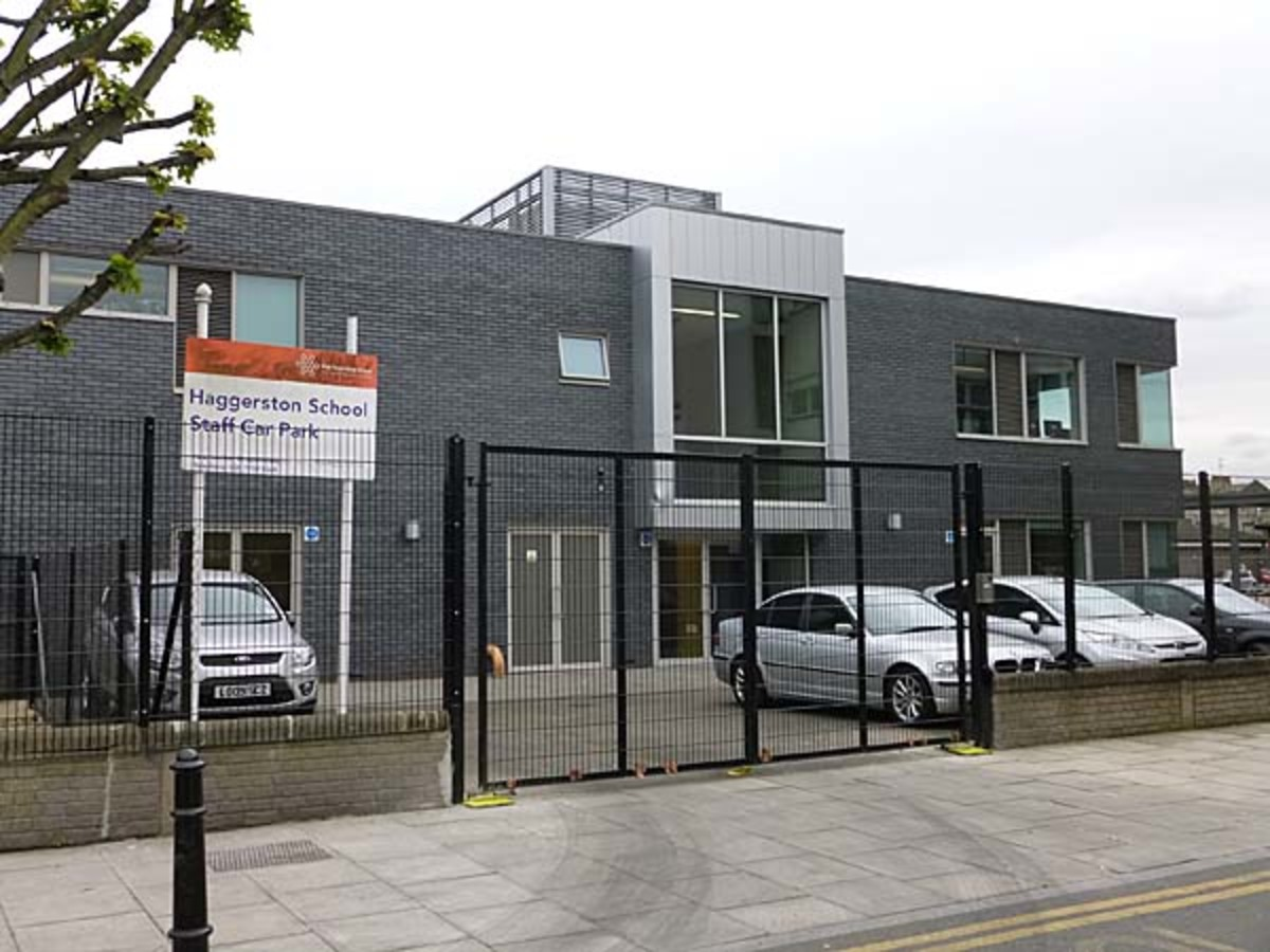 SLS @ Haggerston School - Hackney - 4 - SchoolHire