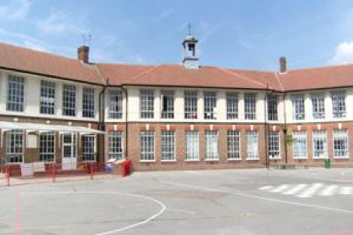 SLS @ Ark Oval Primary Academy - Croydon - 2 - SchoolHire