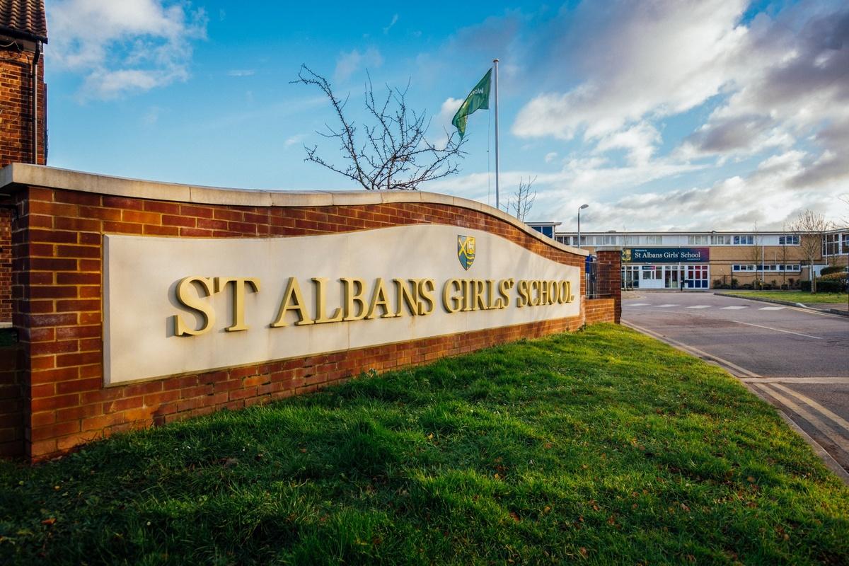SLS @ St Albans Girls School - Hertfordshire - 3 - SchoolHire