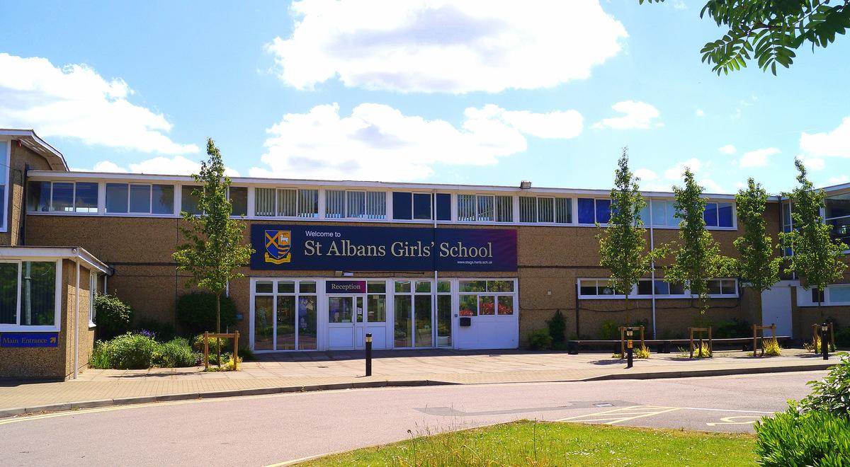 SLS @ St Albans Girls School - Hertfordshire - 1 - SchoolHire