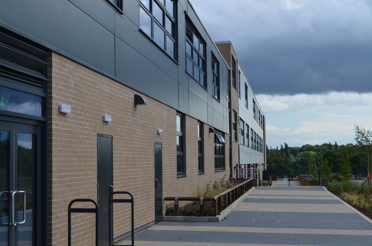 SLS @ Ark Pioneer Academy - Barnet - 2 - SchoolHire