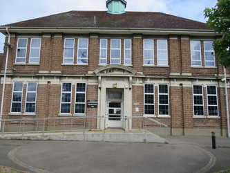 Heston Community School - Hounslow - 1 - SchoolHire