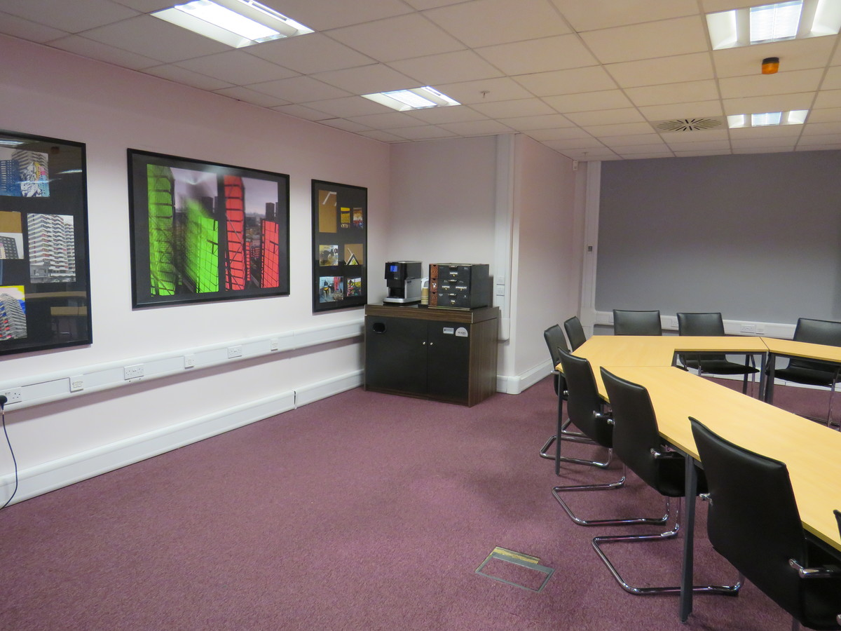 Conference Room CR3 - Heston Community School - Hounslow - 4 - SchoolHire