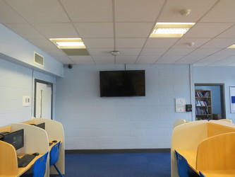 IT Room OG01 - Heston Community School - Hounslow - 3 - SchoolHire