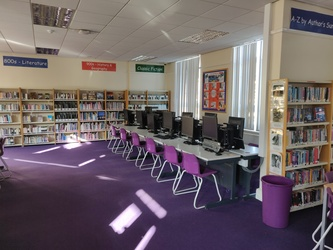 Library - SLS @ St Edwards College - Liverpool - 4 - SchoolHire