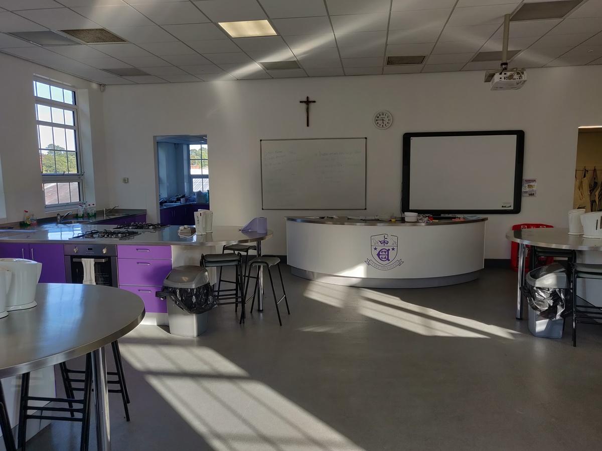 Specialist Classroom - Cooking Room - SLS @ St Edwards College - Liverpool - 3 - SchoolHire