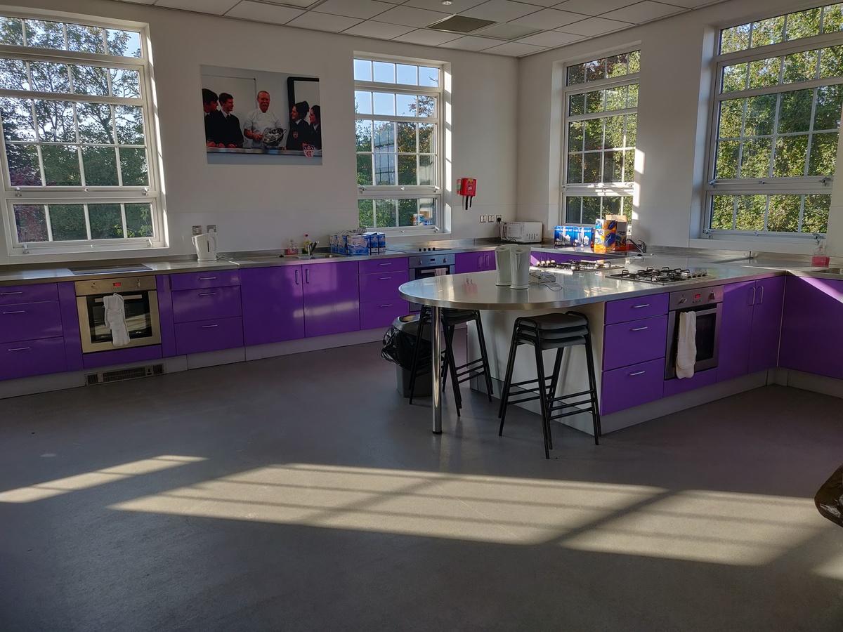 Specialist Classroom - Cooking Room - SLS @ St Edwards College - Liverpool - 4 - SchoolHire