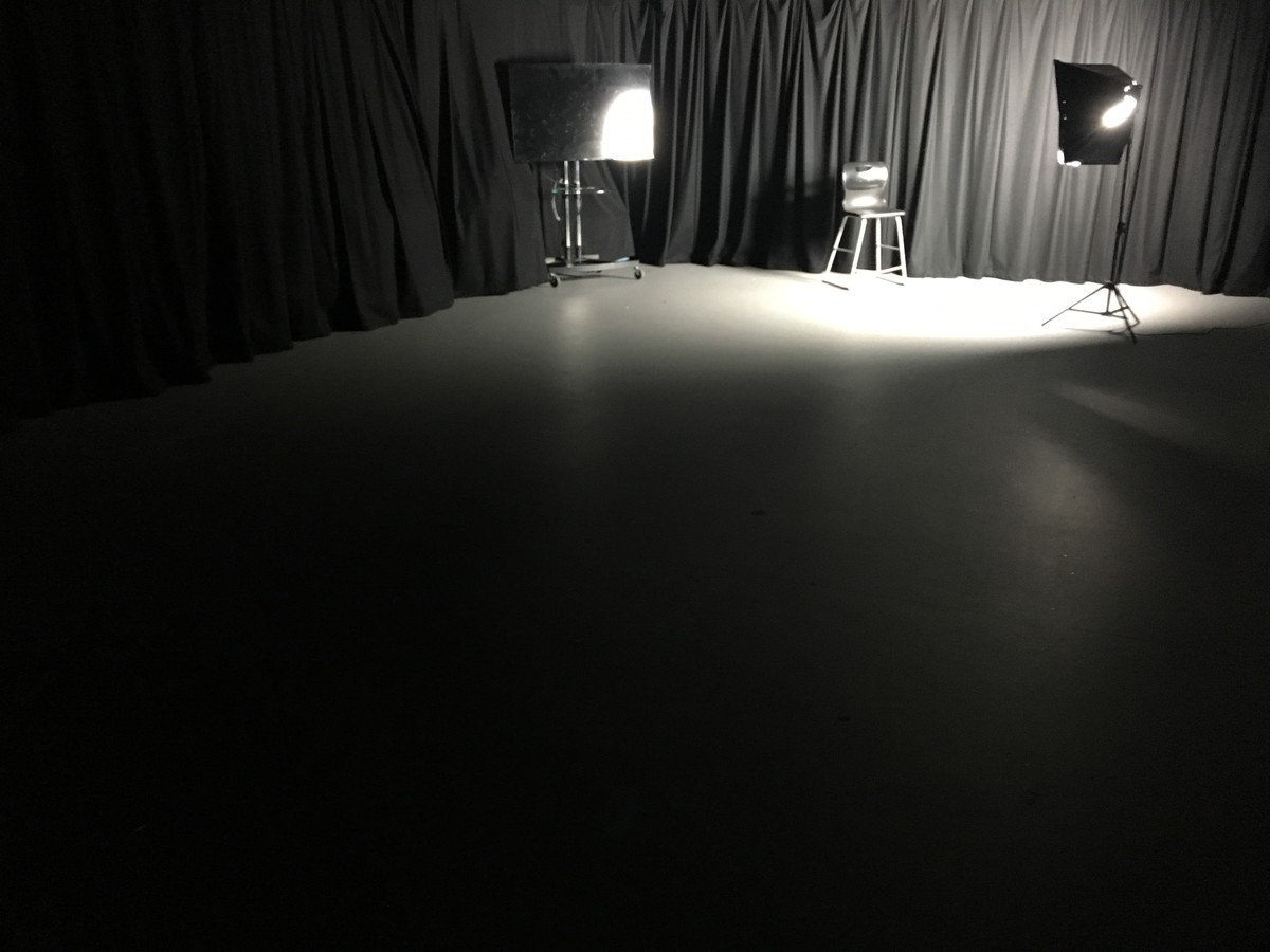 Photography Studio - UTC@MediaCityUK - Manchester - 1 - SchoolHire