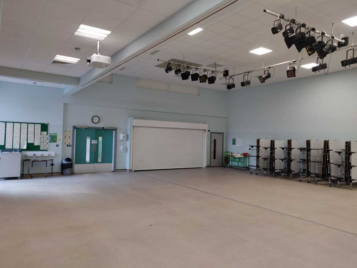 Redbridge Main Hall  - SLS @ Redbridge Bank View High Schools - Liverpool - 2 - SchoolHire