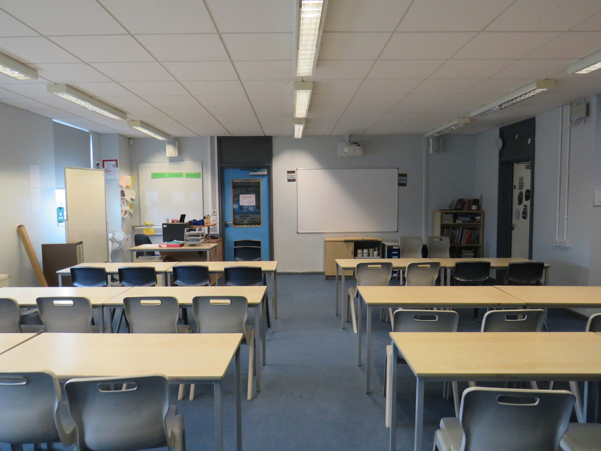 Classrooms - AIM North London - Enfield - 1 - SchoolHire