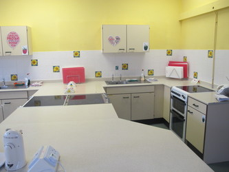 Food Technology Room - St Edward's School - Gloucestershire - 4 - SchoolHire